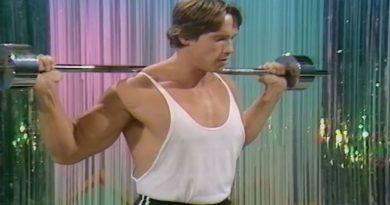 Arnold Schwarzenegger Teaching Beginner Bodybuilding Exercises