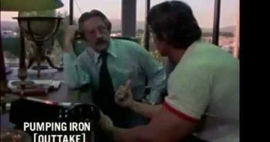 Arnold Schwarzenegger & Lou Ferrigno (Bodybuilding Motivation - Pumping Iron Exclusive)