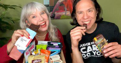 Vegancuts Chocolate Box Unboxing, Munching & Review