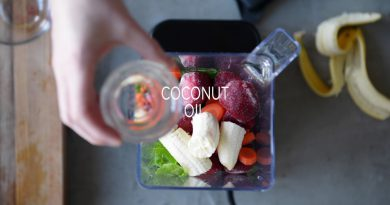 Whole 30 Green Smoothie // Carrot Beet Berry