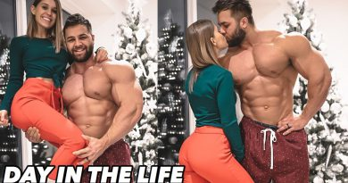 CHRISTMAS AS A PRO BODYBUILDER | Full Workout (My legs are DESTROYED)