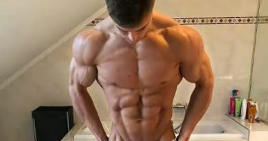 Cute 20 years old shredded bodybuilder | Richard Duchon | workout with POSING |