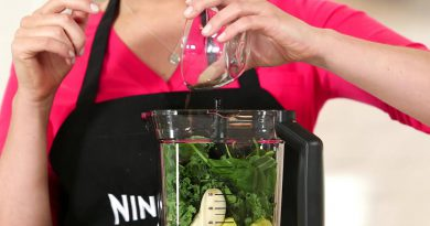 Green Smoothie Recipe by Ninja Ultima™ Blender | Lean Green Ninja