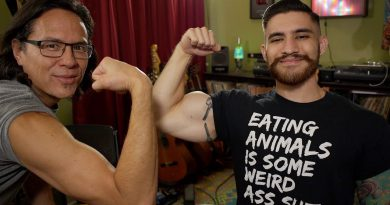 Vegans Can't Gain Muscle! Fact or Myth? Straight Vedge Interview
