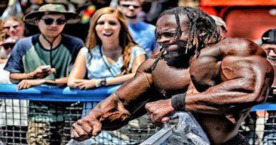 When Bodybuilders Workout in Public