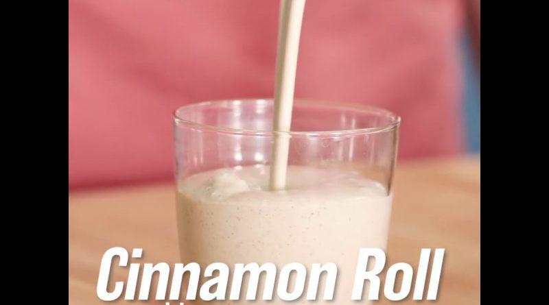 Cinnamon Roll Superfood Smoothie