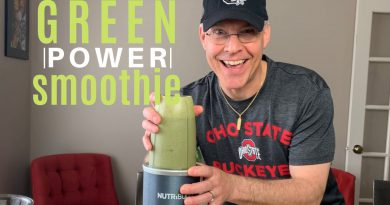 GREEN POWER BREAKFAST SMOOTHIE | SUPERFOOD SMOOTHIE