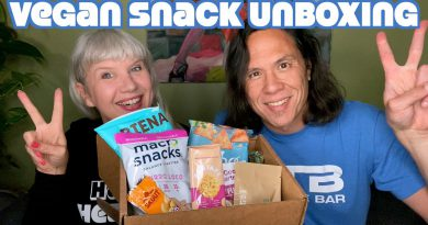 Vegan Snack Unboxing and Trying: Healthier Options