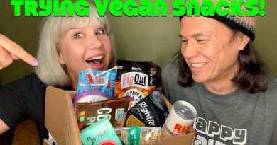 Vegancuts Snack Box: Unboxing + Trying with Real Opinions [May Box]