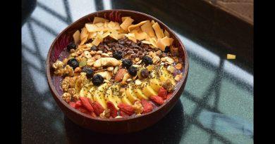 Superfood Smoothie Bowl (Vegan, GF)