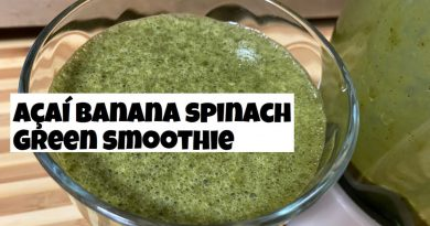 Acai Banana Spinach Green Smoothie (Superfood Smoothie)