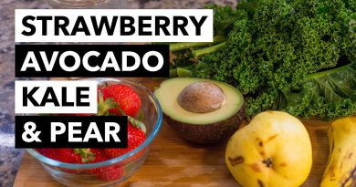 Green Smoothie Recipe 4: Kale, Strawberry, Avocado, Banana, Pear and Water (from 30-day GSC)