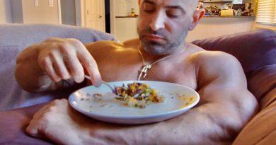 EATING LIKE A BODYBUILDER 2020 - BODYBUILDING LIFESTYLE MOTIVATION