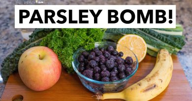 Green Smoothie Recipe 14: Learn How-to Parsley Bomb a Smoothie (from 30-day GSC)